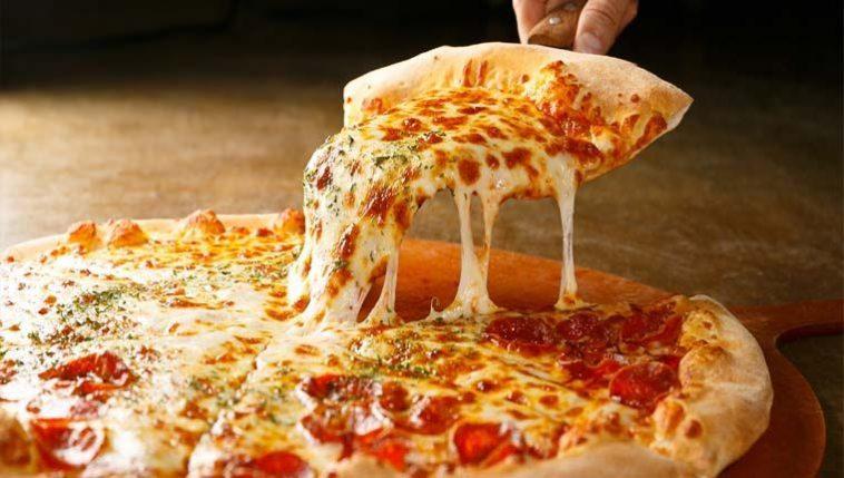 Pizza no café da manhã é mais saudável do que cereal matinal, segundo nutricionista