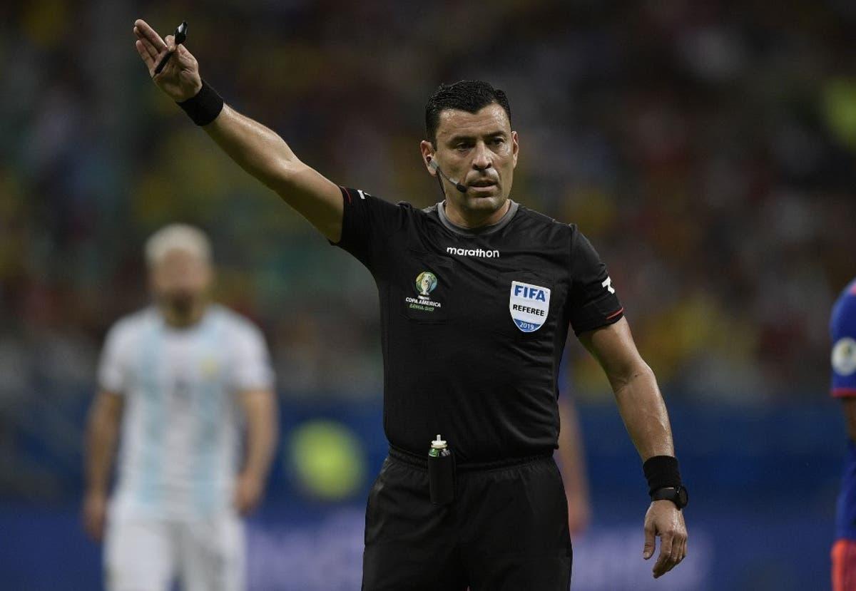 Árbitros poderão encerrar jogos em casos de racismo, segundo novo código da FIFA