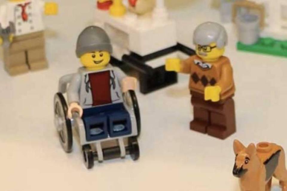 Lego cria seu primeiro boneco cadeirante