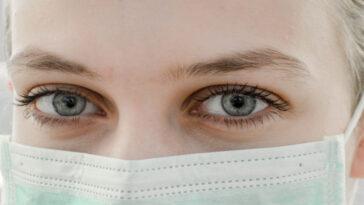 Médicos e enfermeiros protestam por máscaras e luvas em falta