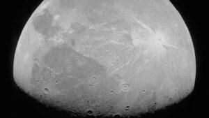 Nasa divulgou fotos detalhadas deGanimedes, maior lua do Sistema Solar