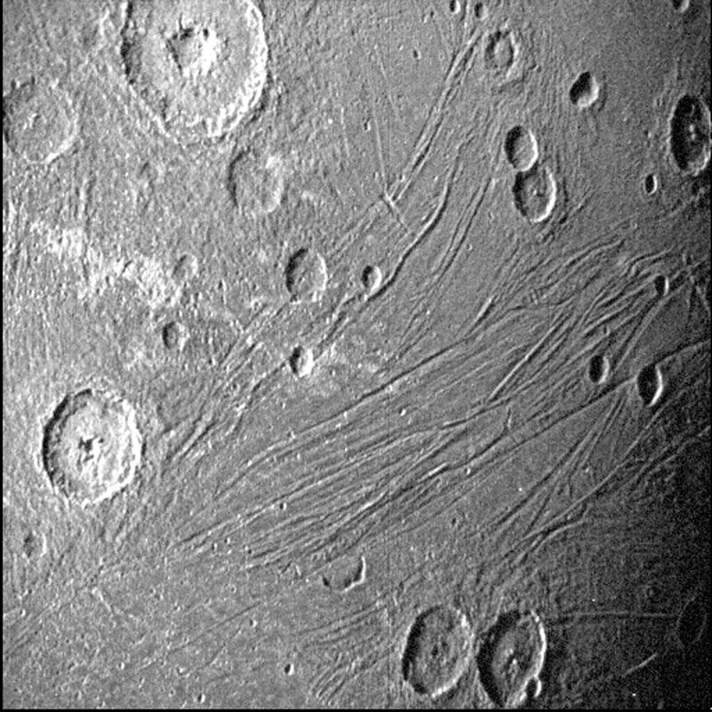Nasa divulgou imagens detalhadas deGanimedes