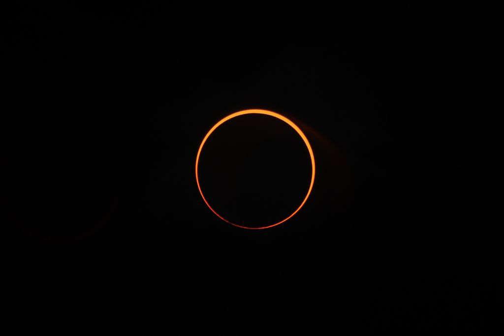Saiba como assistir ao eclipse do anel de fogo que acontece esse mês