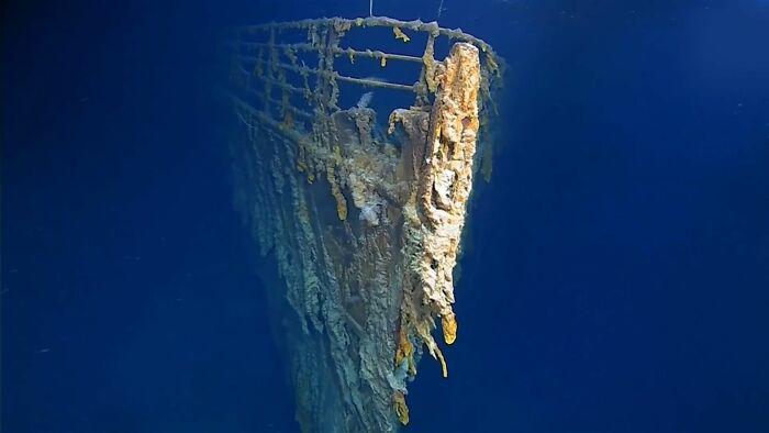 imagens do titanic afundado